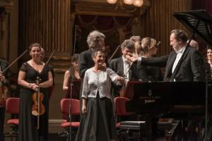 18 maggio 2015, Milano, Teatro alla Scala Direttore Riccardo Chailly Pianoforte Maria João Pires Ludwig van Beethoven Concerto per pianoforte no.4 Dmitrij Šostakovič Sinfonia no.5